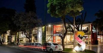 Galería comercial a cielo abierto / SOLAR DEL CERRO