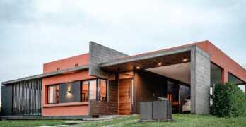 Expresividad y dinamismo en una vivienda entre enérgica y cordial